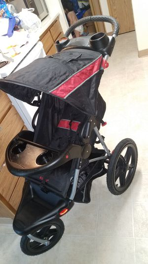 Baby trend car seat and stroller for Sale in Sherwood, OR