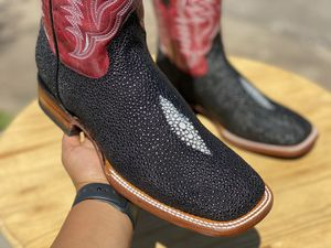 Mens boots / Bota para hombre for Sale in Irwindale, CA