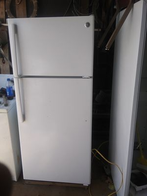 Ge refrigerator $150 for Sale in Bethany, OK
