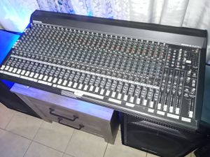 Mackie series 32.4.2 4 bus mixing table for Sale in GRANT VLKRIA, FL