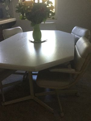 Dining room set for Sale in El Cajon, CA