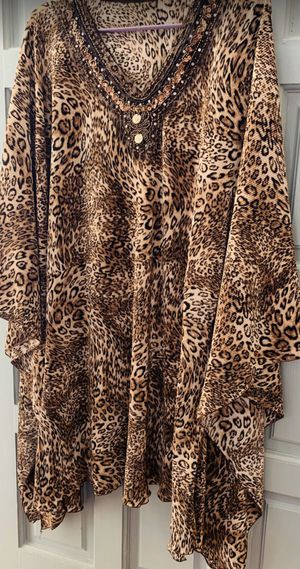 TIGER PRINT SHIRT / Good Deal for Sale in Murfreesboro, TN