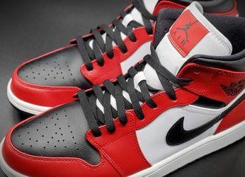 Jordan 1 Mid Chicago Toe Size 10.5 for Sale in Nashville,  TN