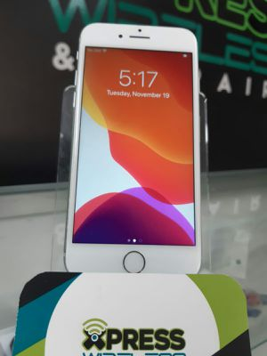 iPhone 8 - White - 64 GB - Unlocked - Excellent Condition SOMOS TIENDA for Sale in Miami, FL