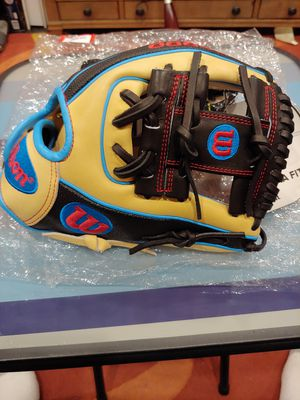 Wilson A2000 DP15 Baseball Glove for Sale in Los Angeles, CA