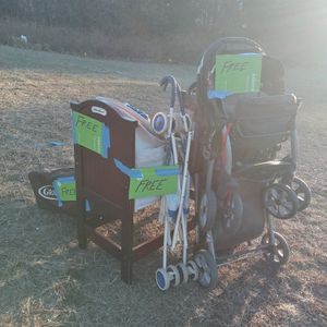 Free Baby Stuff for Sale in Voorhees Township, NJ