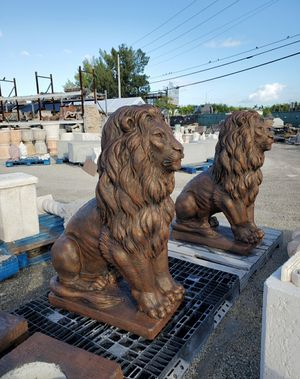 Concrete Lion Statue / Cement Garden Lions for Sale in Miami, FL