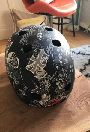 Bell bicycle helmet size M for Sale in San Francisco, CA