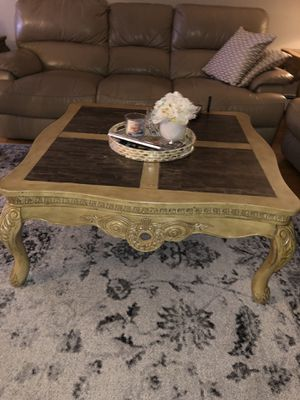 Coffee table with two end tables, console with a mirror for Sale in North Bergen, NJ