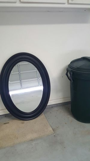 Oval Mirror can hang either direction for Sale in Shady Shores, TX