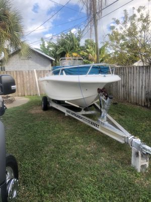 1995 19 ft proline open fisherman with 1995 mercury 135 hp boat is in amazing condition everything works very solid floors no soft spots no for Sale in Princeton, FL