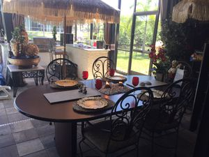 Table and 5 Chairs for Sale in Cape Coral, FL