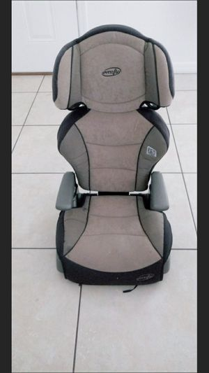 2 in 1 car seat and booster for Sale in Lake Wales, FL