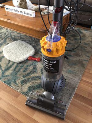 Dyson swivel vacuum for Sale in Seminole, FL