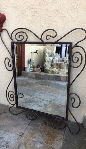 MIRROR WITH UNIQUE METAL FRAME for Sale in San Diego, CA