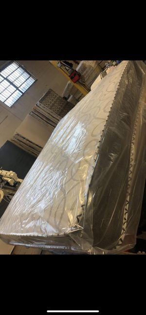 Mattress and box spring delivery available all sizes available for Sale in Downers Grove, IL