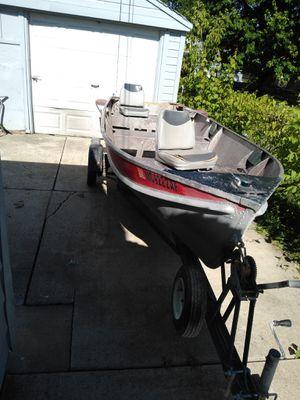 14 foot aluminum boat for Sale in Roseville, MI