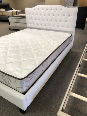 Queen-size white platform bed with mattress and free delivery for Sale in Irving, TX