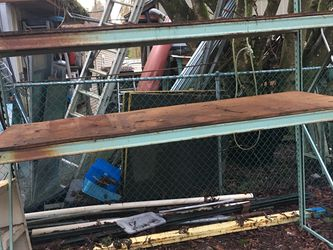 Metal Shelving Pallet Rack for Sale in Issaquah,  WA