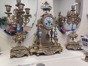 Antique clock for Sale in Port Orchard, WA