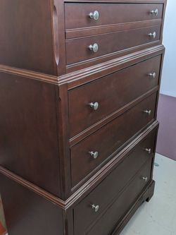 Tall wooden 6 drawer dresser for Sale in Hermosa Beach,  CA