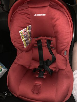 Maxi cosí mico 30 car seat with base for Sale in Hialeah, FL