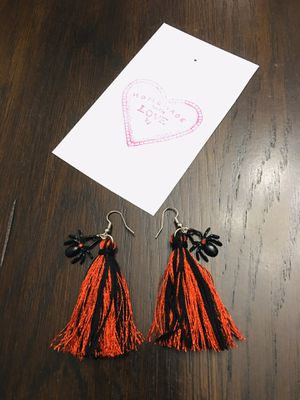 Beautiful handmade tassel earrings!!!! for Sale in Moreno Valley, CA