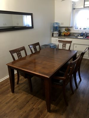 Vintage Mahogany Dining Table + Chairs for Sale in Gardena, CA