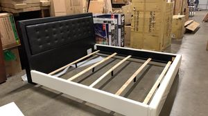 NEW KING SIZE TWO-TONE LEATHER BED FRAME. BLACK/WHITE for Sale in Hilliard, OH