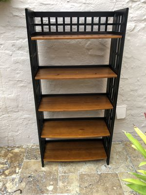 Bookshelf (shelf black and brown solid wood) for Sale in Miami, FL
