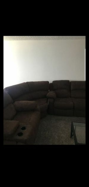 Dark Brown 3 Piece Sectional w/ 4 Recliners for Sale in Bakersfield, CA