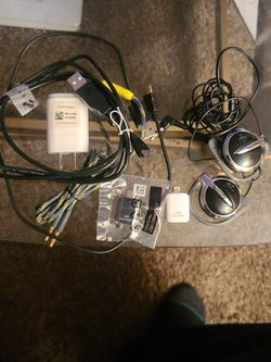 Miscellaneous Cords And Headphones for Sale in Memphis,  MI