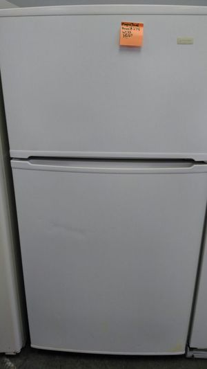 Magic Chef refrigerator (white) for Sale in Cleveland, OH