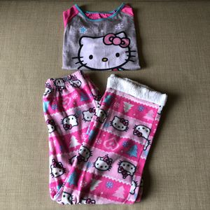 Hello kitty Pajama set. Large (10-12) for Sale in Glenshaw, PA