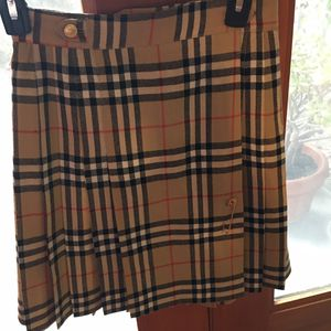 AUTHENTIC BURBERRY SKIRT for Sale in San Francisco, CA