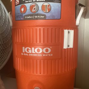 Igloo 5-gallon Beverage Cooler for Sale in Colma, CA