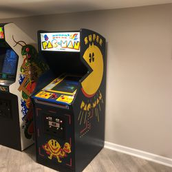 Vintage Bally/MIDWAY SUPER PAC-MAN for Sale in Alexandria,  VA