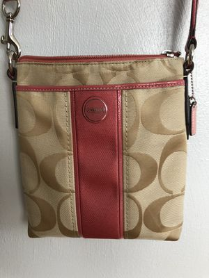 Coach Crossbody with Pink Accent for Sale in Washington, PA