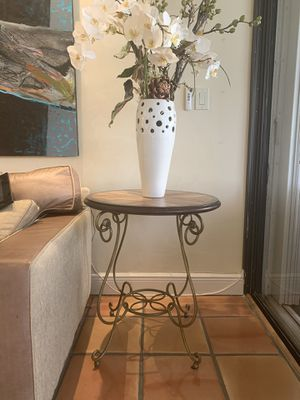 End Tables- pair of end tables for Sale in North Miami Beach, FL