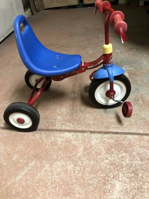 Kids Tricycle. Also have tons of kids toys, clothes, etc...... for Sale in Lemont, IL