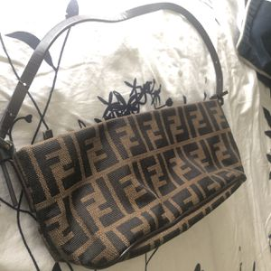 Original fendi vintage bag for Sale in Lithonia, GA
