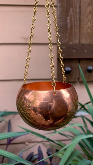 """small vintage hanging copper planter 3 1/2"""" inches wide 2"""" deep 2 1/2"""" interior diameter, hanging length 9 inches for Sale in Fort Worth, TX"""
