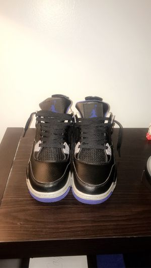 Jordan 4 blue and black size 8.5 for Sale in Bloomington, IL