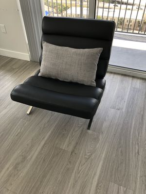 Black Leather Padded Sofa Chair for Sale in Tampa, FL