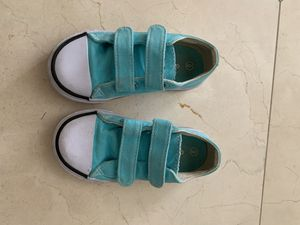 Toddler girl size 9 tennis shoes for Sale in Rancho Cucamonga, CA