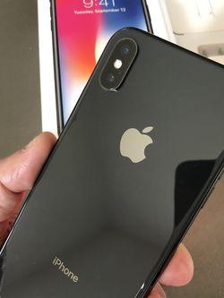 iPhone X Gray Unlocked For Any Carriers 64gb (Liberado para Cualquier Compañía ) for Sale in Montebello,  CA