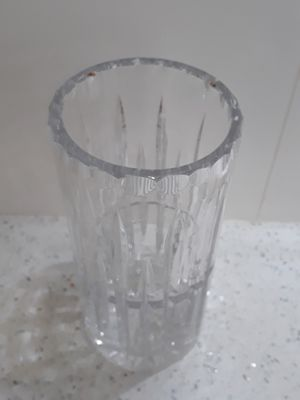 Heavy Crystal flower vase 7 in tall for Sale in Miami, FL