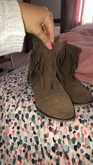 SO CUTE! Fringe booties for Sale in Dallas, TX