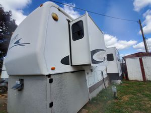 5th Wheel for sale! [ Carriage Cameo LXI 33ft] for Sale in Battle Ground, WA