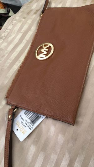 Michael Kors wristlet wallet for Sale in Pittsburgh, PA